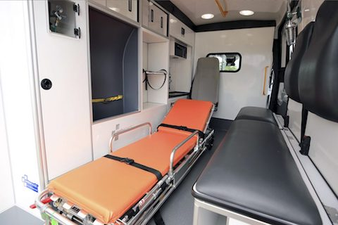 interior-ambulancia-generica-990x660