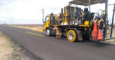 Señalizan la carretera en el tramo que conduce a Guerrero Negro.