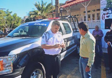Con patrullas cuadrimotos y equipotácticoreforzaran la seguridad pública en Mulegé, alcalde entregó apoyos del Fortaseg.