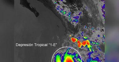 """Nace la primera depresión tropical """"1-E"""" al sur de Cabo San Lucas; tiene vientos de 45 km/h"""