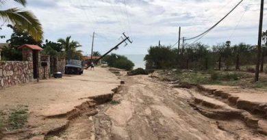 Emiten declaratoria de emergencia para 2 municipios de BCS, tras el paso del huracán Lorena