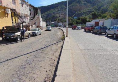 Exhortan a SEDATU atender obra inconclusa de pavimentación en Santa Rosalía