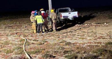 Tragahumos locales sofocaron un incendio vehicular en las periferias de Gro Negro